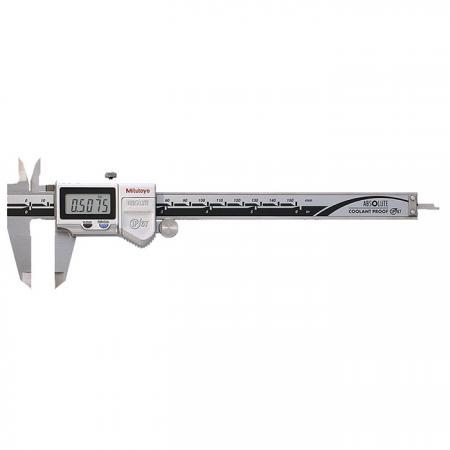 Dispositivo que se utiliza para medir la distancia entre dos lados opuestos de un objeto.