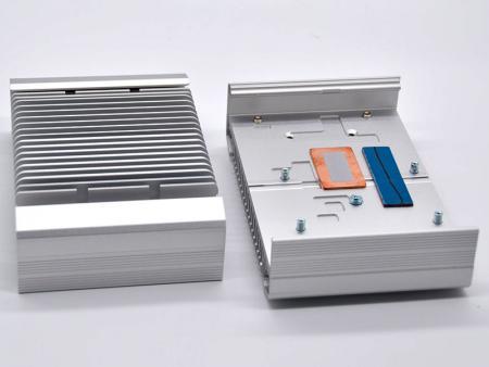 Chasis incrustado anodizado plateado - Carcasa del sistema integrado
