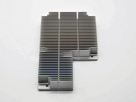 Ditched heatsinks in silver