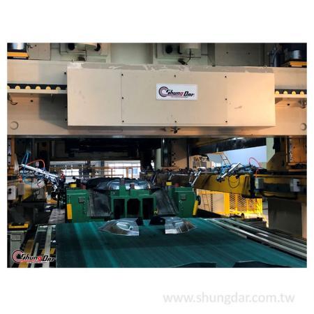 三次元沖壓移送裝置工廠實機