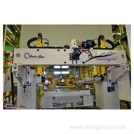 三次元冲压移送装置工厂测试实机