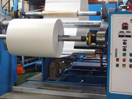 興化成塑膠容器服務生產流程—皮料收料