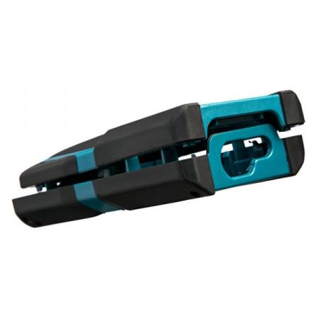 双色/多色射出成型可应用于汽机车零件。