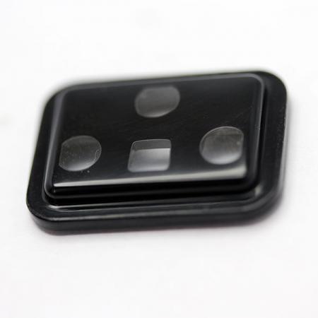微量射出成型应用于微型零件。
