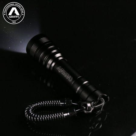 Scuba tactical light