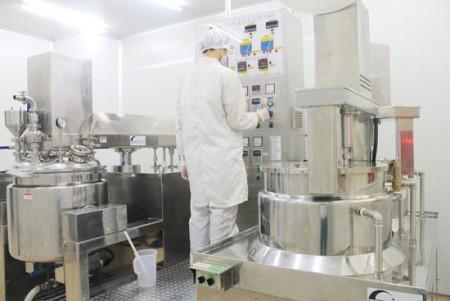 100KG Automatic Three Vacuum Emulsifying Mixer