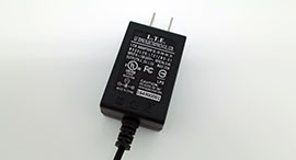 Adaptador AC / DC de conmutación de montaje en pared LTE12WS