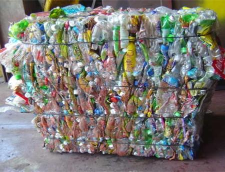 回收宝特瓶捆包