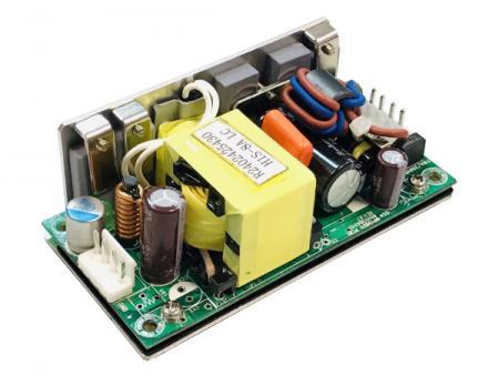 48V 100W عالية I / P الجهد معزول DC / DC إطار مفتوح لإمداد الطاقة