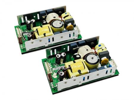 + 48V 200W AC / DC Fuente de alimentación de marco abierto - Fuente de alimentación de marco abierto de 48V 200W AC / DC.