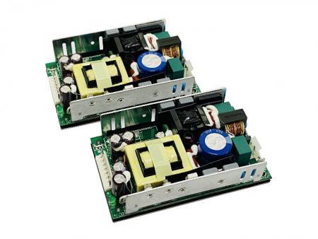 + 48V 300W AC / DC Fuente de alimentación de marco abierto - Fuente de alimentación de marco abierto de 48V 300W AC / DC.