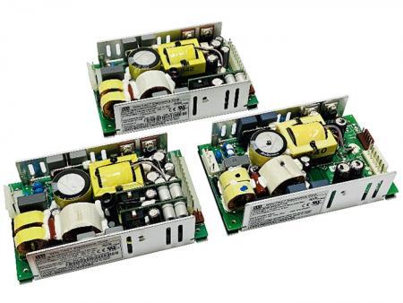 +12V Ajouter +5V & +3.3V 200W AC/DC Alimentation Cadre Ouvert - Alimentation à cadre ouvert +12V et +5V, +3,3V 200W AC/DC.