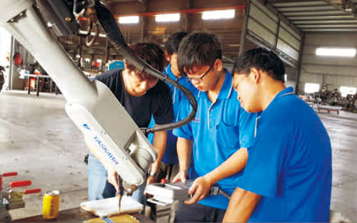 Sheang Lien Team and Factory
