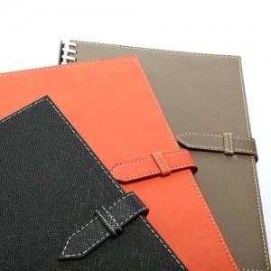 دفتر ملاحظات مع مشبك