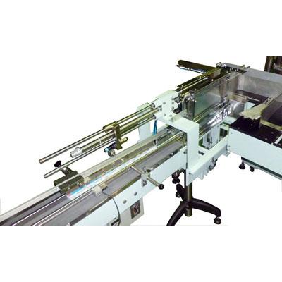 オーバーラップ機用照合装置 - 照合装置、スタッカー。