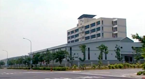 Profesyonel bir vida fabrikası, dünya bağlantı elemanı işine standart vida, standart olmayan vida ve ayrıca Ar-Ge hizmeti sağlar.
