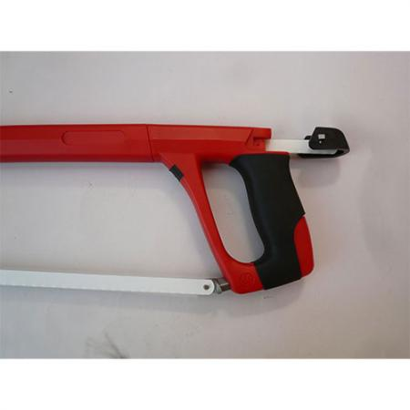 Blade Storage in the handle for up to 5 blades.