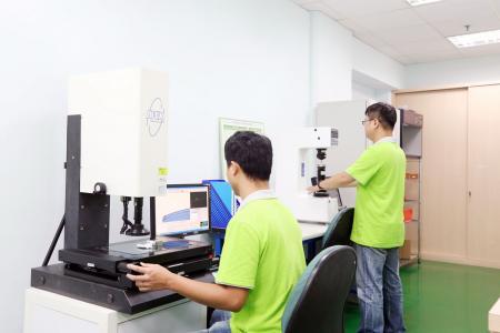 2.5D Messmaschine und Härteprüfer