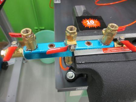 Noen ganger designer vi enkle, men effektive målere eller jigs for å teste eller inspisere produktene.