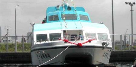 Barco de passageiros catamarã 199GT FRP (2)