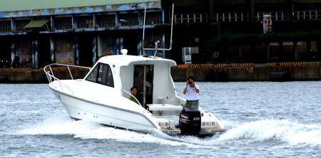 Sunshine-32-foot enclosed wheelhouse yacht