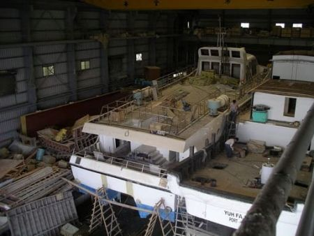 199GT FRP Catamaran Penumpang Dalam Pembangunan