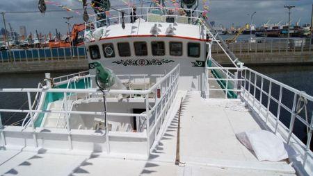 380GT Tuna Long Liner Boot Bugdurchgang