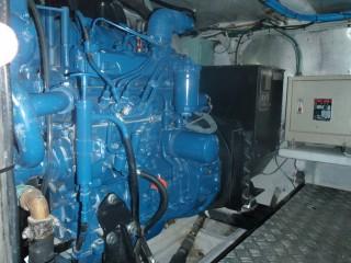 19GT FRP High speed Passenger Boat Main engine