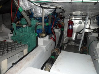 19GT FRP High speed Passenger Boat Engine Room
