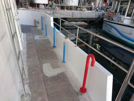 Acesso ao convés do navio de passageiros para passeios turísticos submarinos 19GT FRP