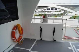 20GT FRP Diesel-electric catamaran passenger ship Cabin entrance(2)