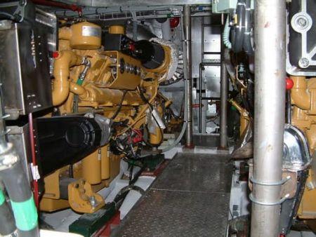 80GT FRP Cargo Passenger Boat Engine Room