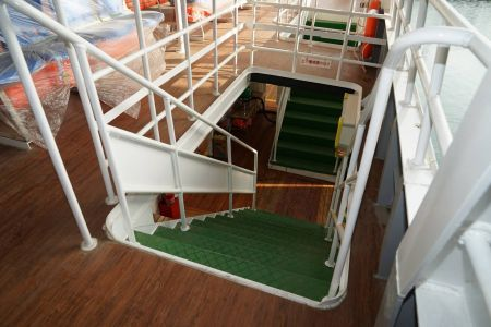 87GT Steel Oil and electric Ferry passenger ship Upper and lower deck stairs(2)