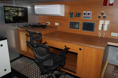 87GT Steel Oil and electric Ferry passenger ship Engine room control room(2)