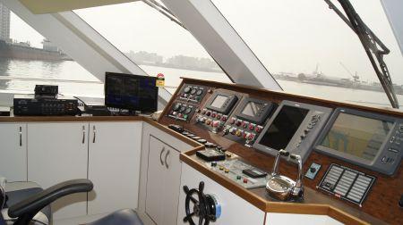 98GT FRP Passenger Boat Cab