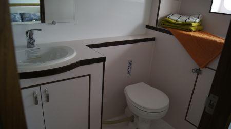 98GT FRP Passenger Boat Toilet
