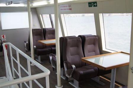Cabine superior do navio de passageiros da balsa 99GT