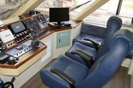 99GT Ferry passenger ship Cab