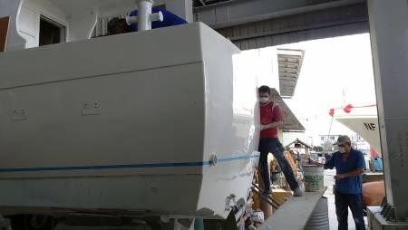 Thuyền đánh cá 38ft FRP Sealion đang được xây dựng (2)