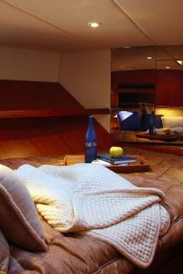 58 Feet Pilothouse Du thuyền phòng ngủ chính (2)