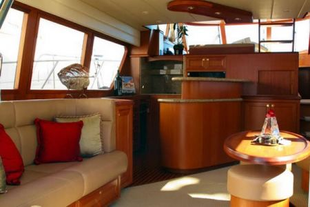 58 Feet Pilothouse Du thuyền thẩm mỹ viện (4)