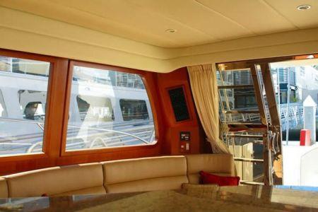 58 Feet Pilothouse Du thuyền thẩm mỹ viện (1)