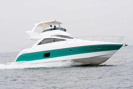 56 Fuß Sportbridge Yacht die Probefahrt im Hafen (1)