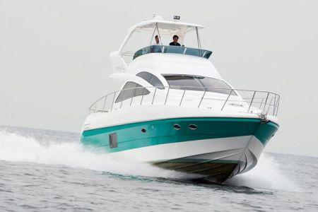56 Fuß Sportbridge Yacht die Probefahrt im Hafen (2)