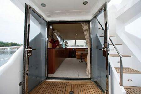 56 Fuß Sportbridge Yacht der untere Saloneingang