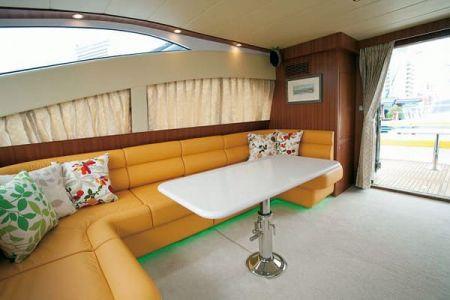 56 Fuß Sportbridge Yacht der Salon unter Deck (2)