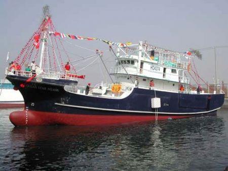 Ra mắt thuyền đánh cá đuốc 100GT