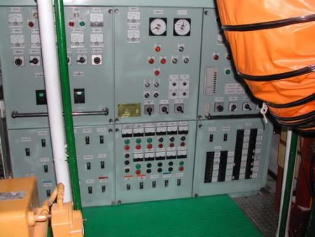 80GT FRP Multifunction Fishery Trial Boat Power Panel