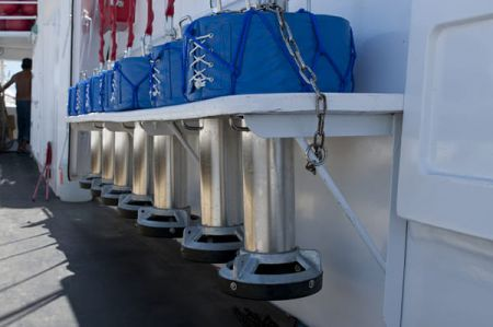 100 GT Tuna Long Liner Boat Electric buoy