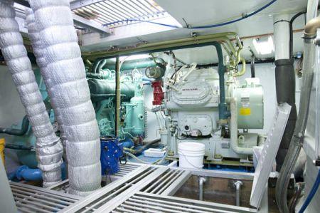 100 GT Tuna Long Liner Boat Upper cabin layout